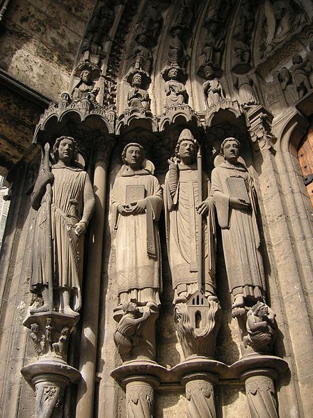 450px-Chartres_cathedral_023_martyrs_S_TTaylor